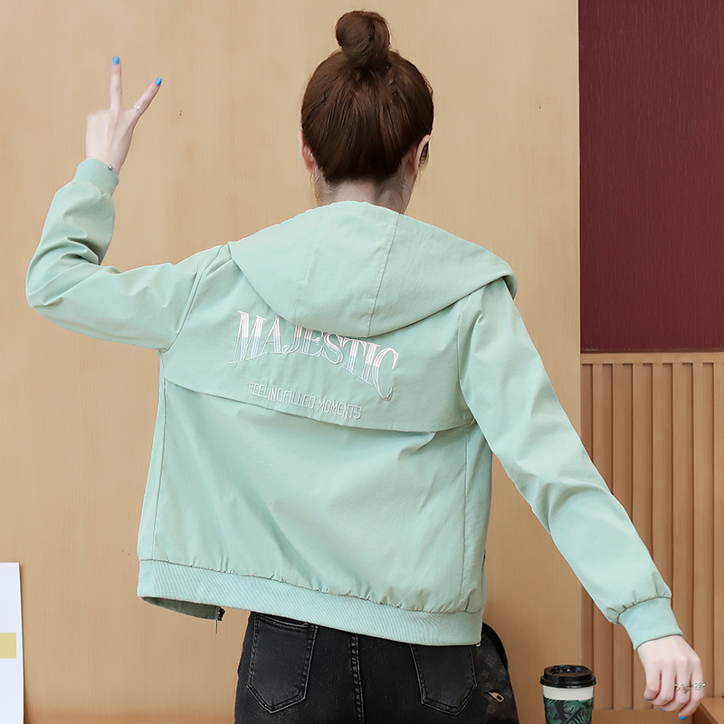 Real shooting 2020 spring and Autumn New Womens embroidered Korean version long sleeve hat slim fit jacket short jacket Baseball Jacket