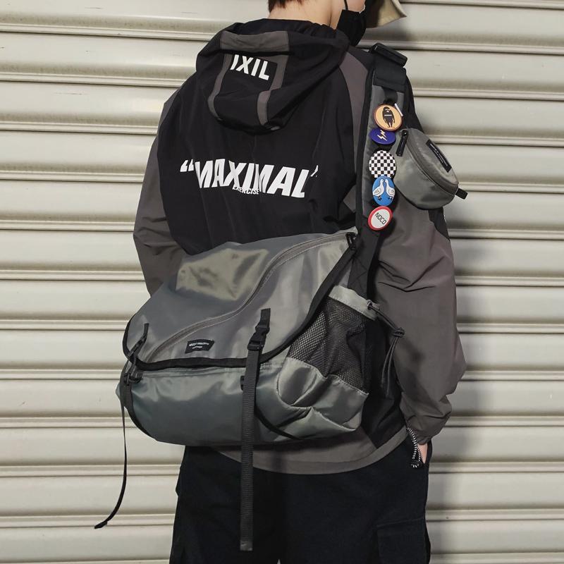 工装斜挎包男士潮牌日系机能风嘻哈日系学生ins背包休闲女单肩包
