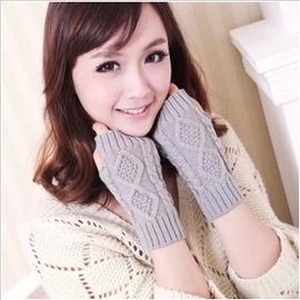 韩国版冬季时尚女士半指手套 菱形格毛线麻花中长露指手套厂家