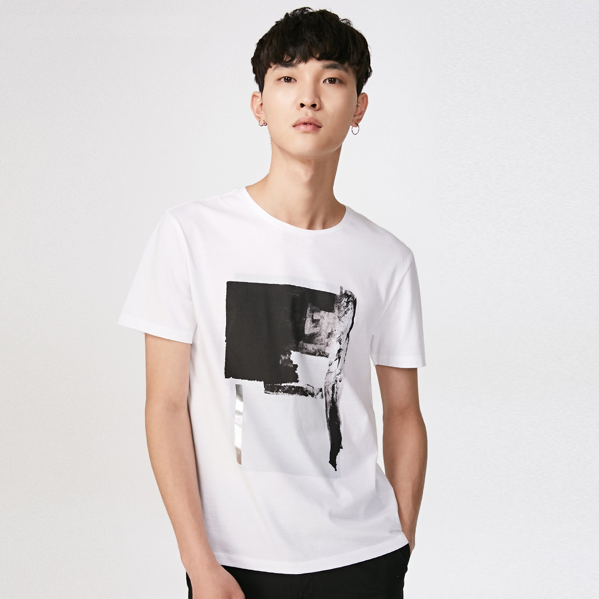 Jack Jones/杰克琼斯男新款薄圆领纯棉个性印花半袖T恤218201559