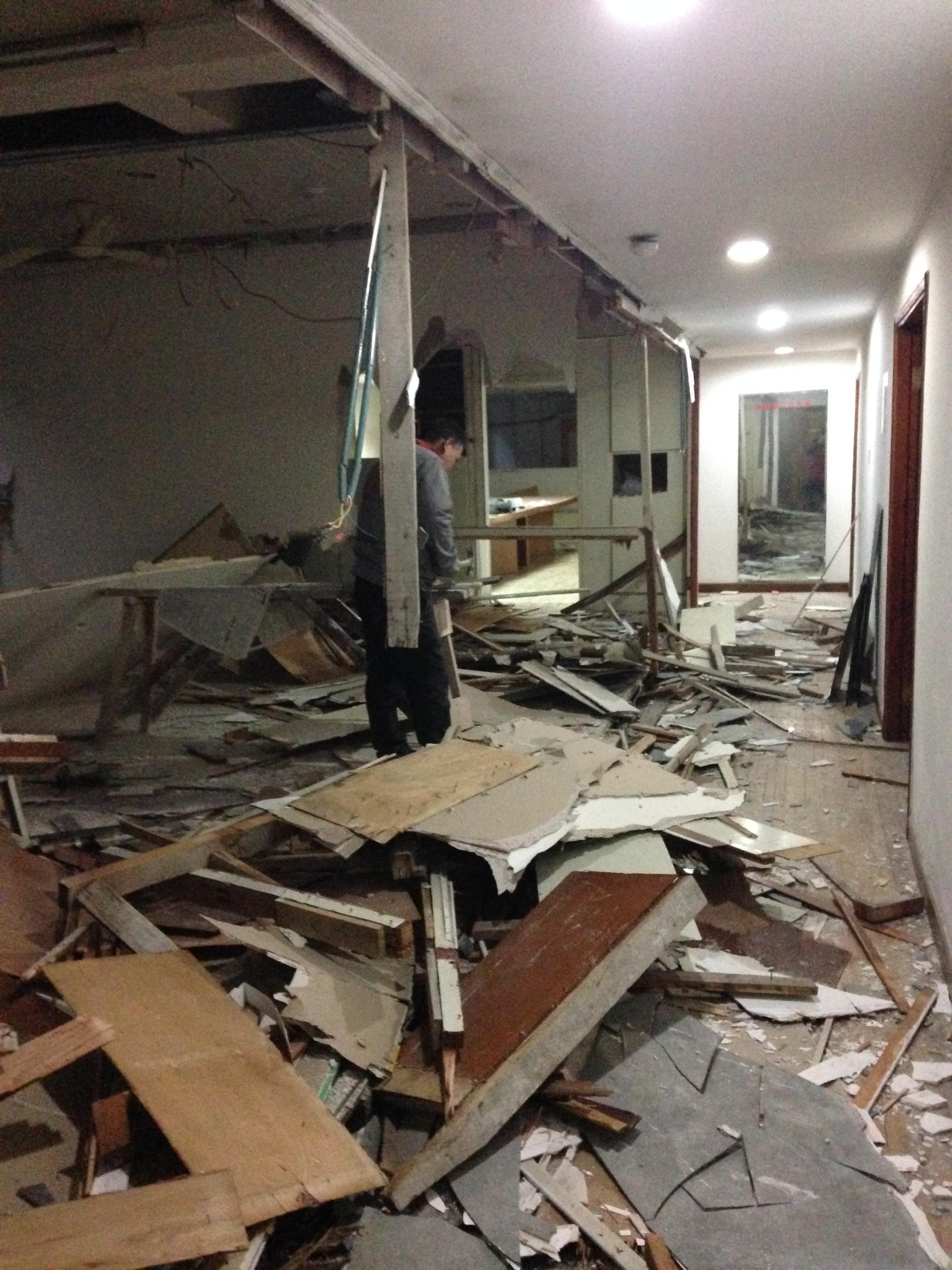 杭州拆旧工水电工泥工木工涂料可靠信的过装修施工队橱柜家具制作