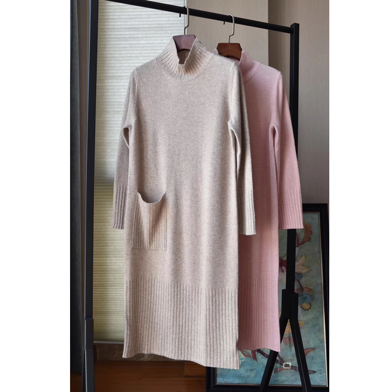 Soft and simple half high collar single pocket decorative cashmere knee length knitted dress