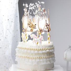 烘焙蛋糕装饰网红华丽珍珠立体布艺皇冠摆件梦幻旋转木马蛋糕插件图片
