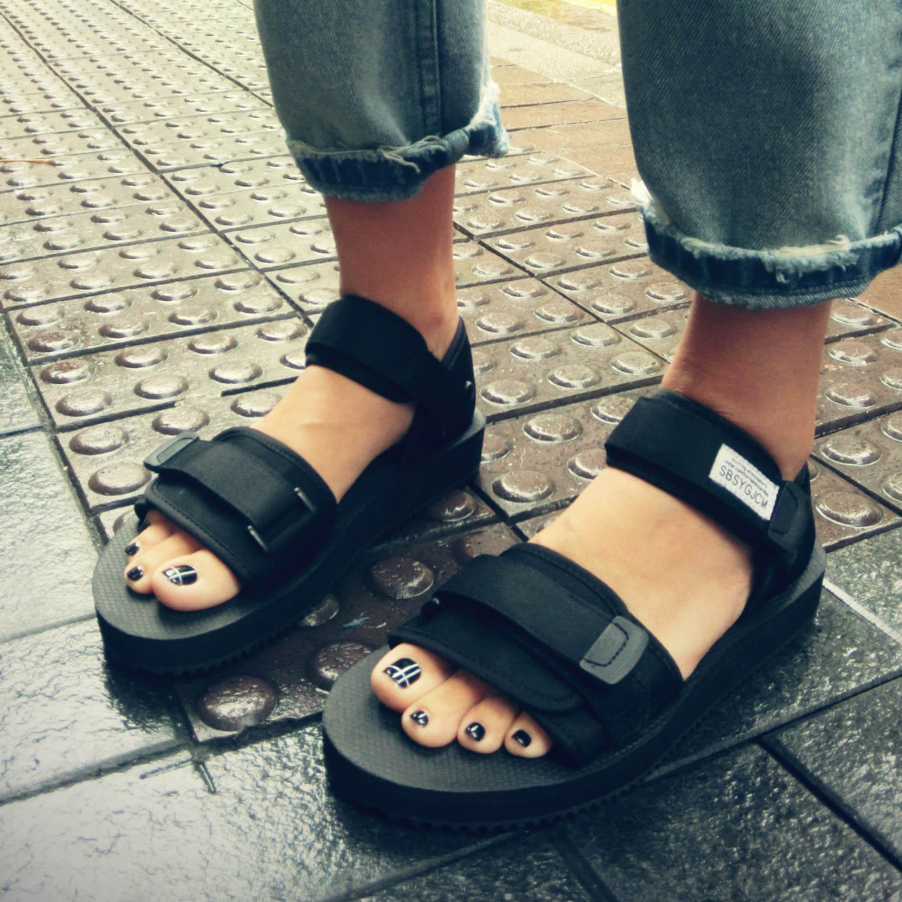 Пост римских Ветер женщина сандалии пара пляжная обувь для мужчин и женщин в Гонконге во Вьетнам сказать Спорт летом Harajuku корейской версии