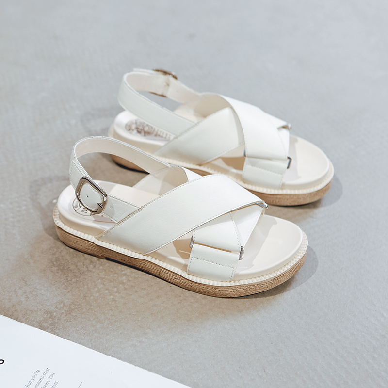 2019 new Korean comfortable soft sole simple leather sandals for women