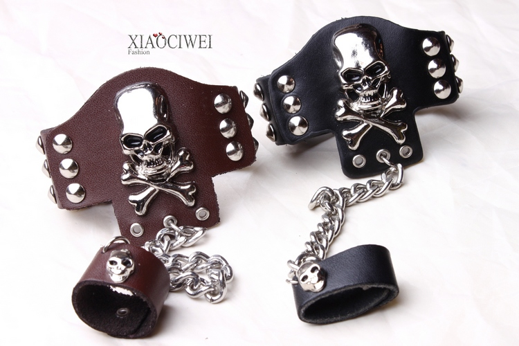 Non mainstream fashion men and women punk rock personality jewelry skull Rivet metal leather ring bracelet