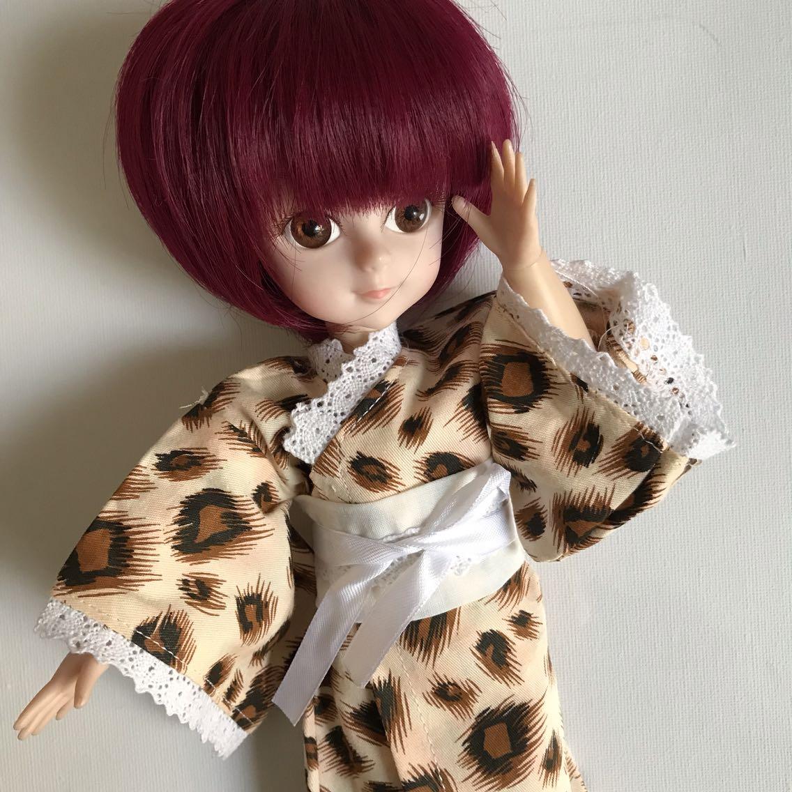 BJD人形の玉型の関節は4分6分女性の時代着の小さい着物の多色の人形の寝衣の子供服bjd多色です。