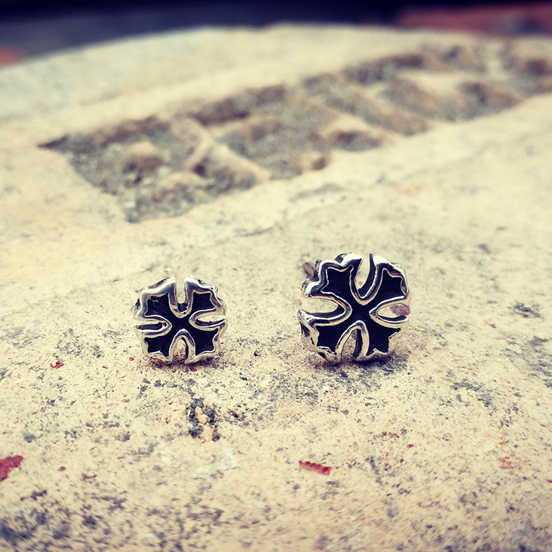 Karebis new Thai vision pure silver mens earrings are limited to 16 pieces