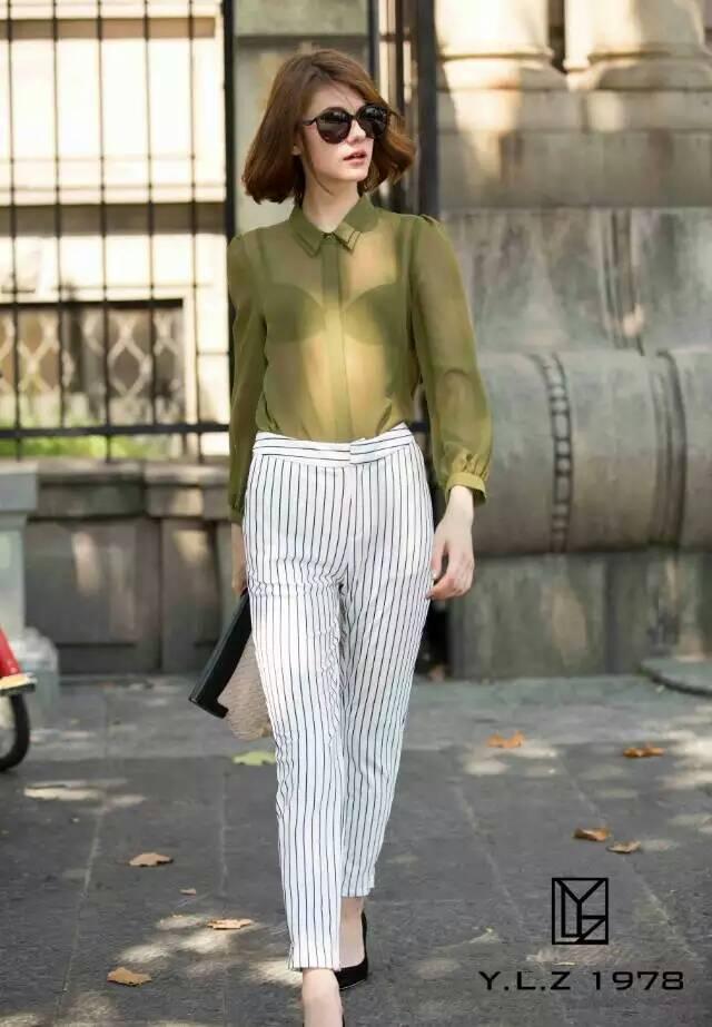 轻奢女装设计师品牌专柜精品条纹烟管裤032790