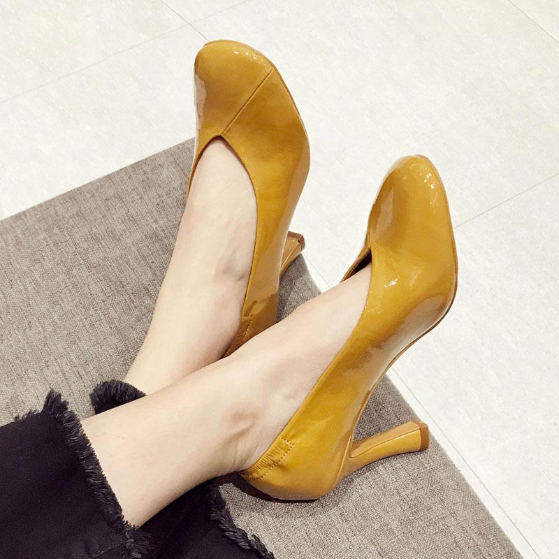 限时2件3折漆皮圆头黄色复古奶奶鞋单鞋高跟鞋