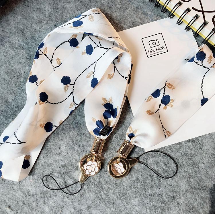 10月15日最新优惠淑女风花系手机通用丝巾短款手腕绳