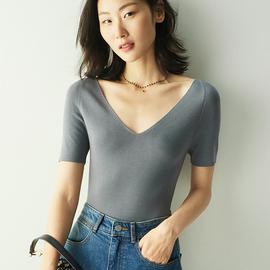 """小虫 遇见蕞美的""""她"""" 黄金羊毛系列  法式性感深V针织衫 2色入"""