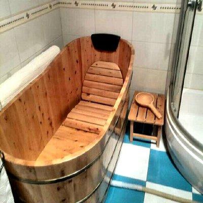 川柏脂熏蒸沐浴木桶,采用香柏实木制成,大冬天的怎么样回家都要洗个澡