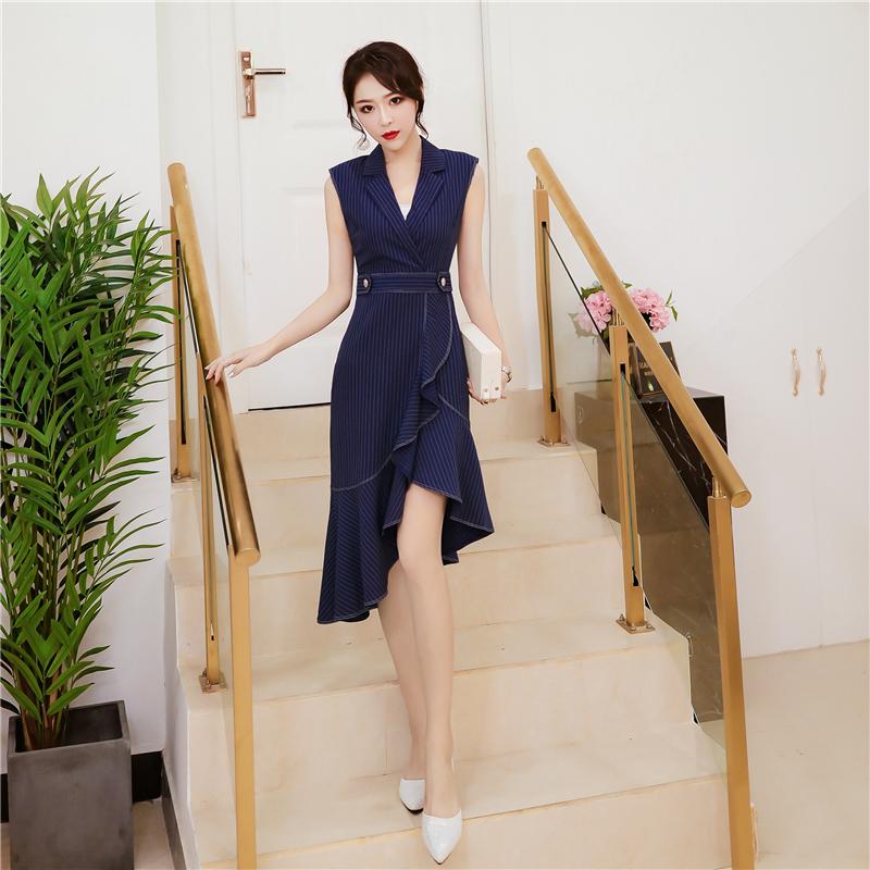 韩衣女王2018夏装女装新款时尚西装领不规则荷叶摆条纹连衣裙气质