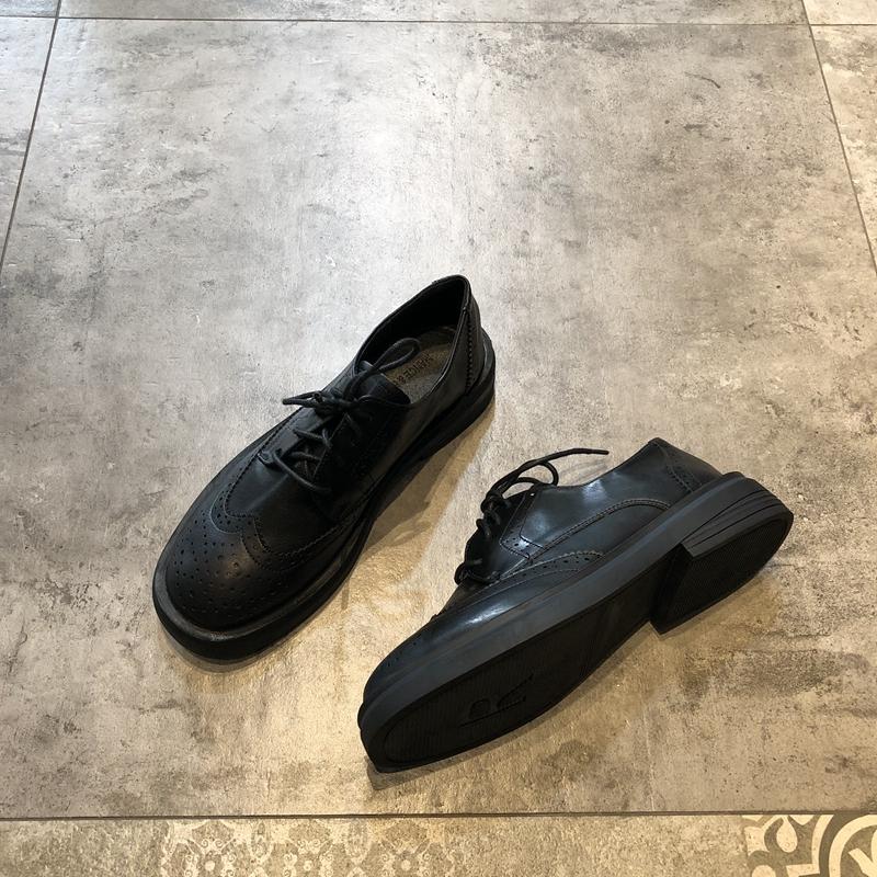 英伦风小皮鞋2019冬季新款欧美时尚百搭帅气系带中跟女鞋黑色单鞋图片