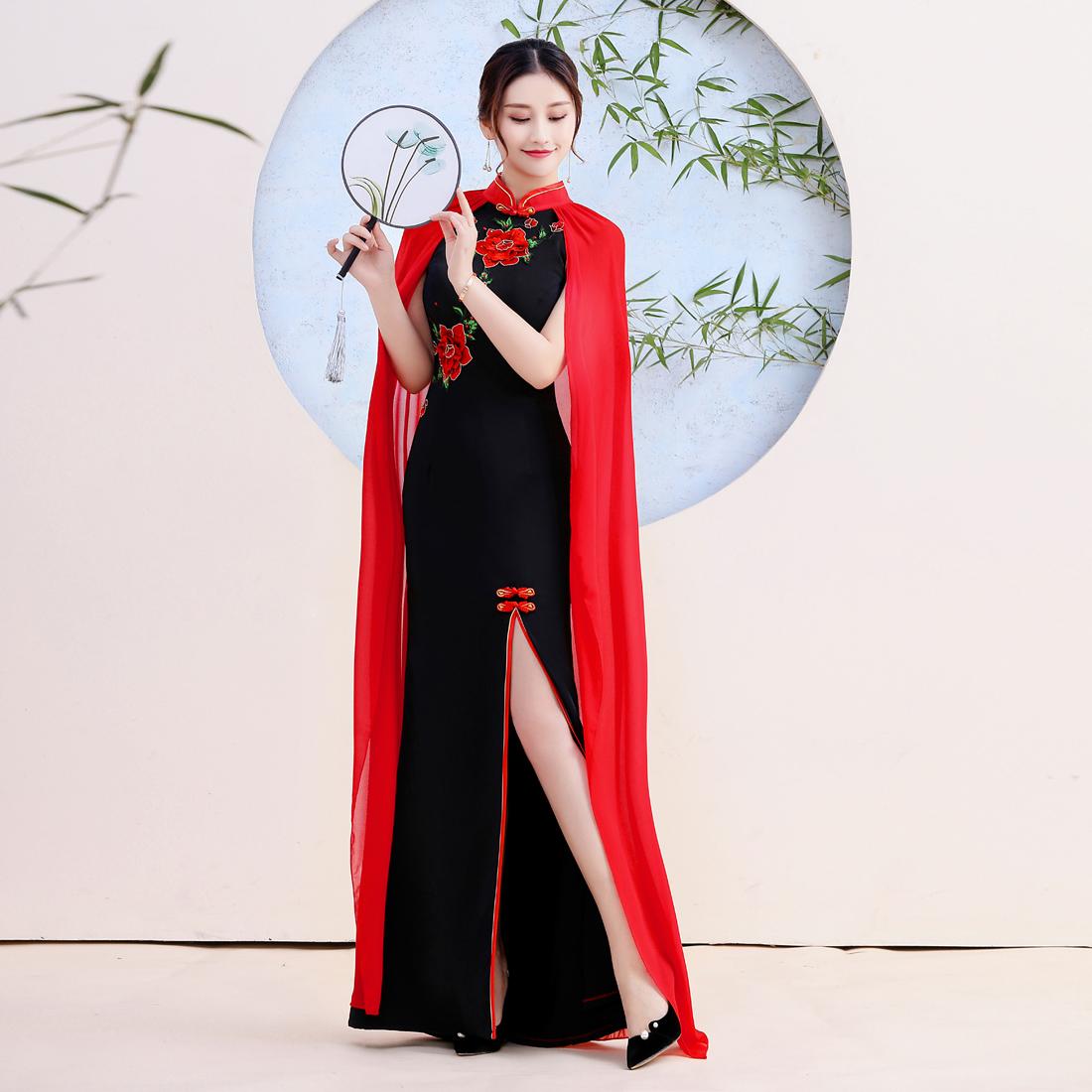 时装版新式走秀旗袍改良版连衣裙女年轻长款优雅中国风礼服演出服(非品牌)