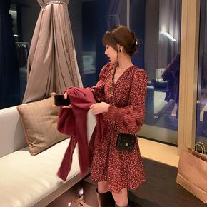 郭郭定制裙子女秋冬长袖2020年新款V领小个子显瘦碎花连衣裙长款