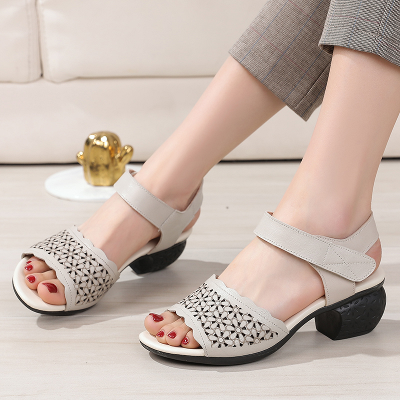 Buy summer sandals for mom middle-aged women 40-50 years old 30 40 50 womens high-heeled shoes look good