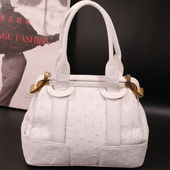 Judith Leiber white ostrich skin large capacity practical doctors bag box portable womens bag