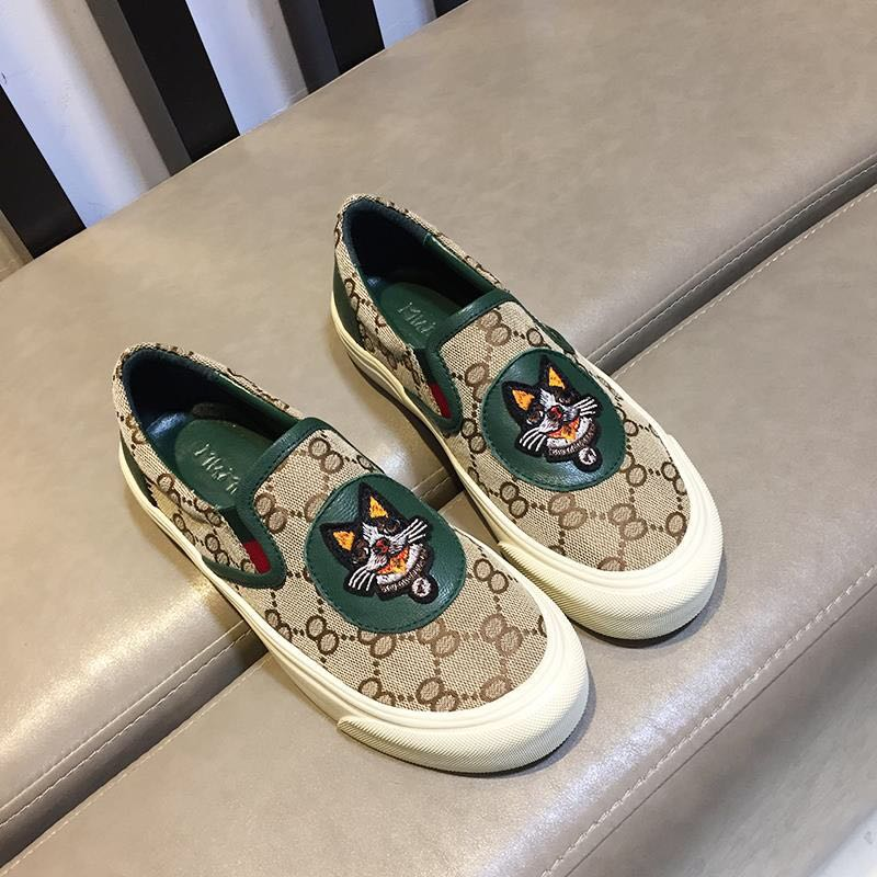 European station 2020 new versatile loafers flat bottomed casual shoes low top printing one foot trampoline shoes womens shoes