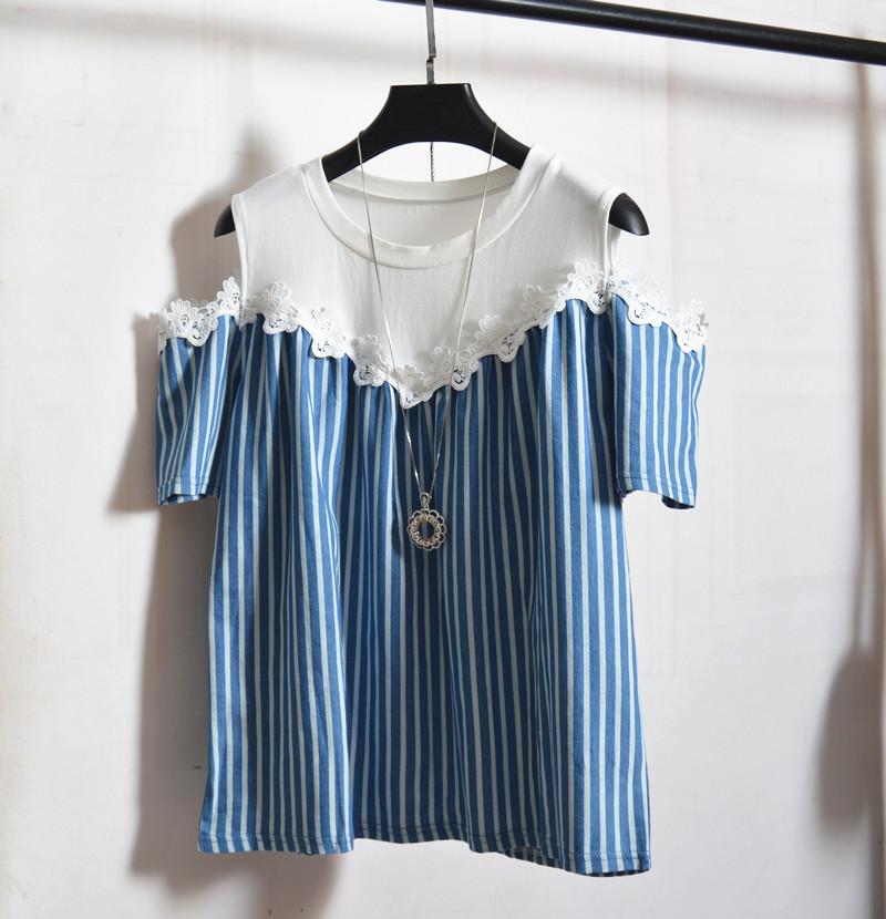 夏装新款蓝色牛仔条纹露肩短袖T恤蕾丝拼接宽松休闲显瘦百搭上衣