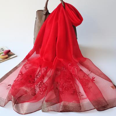 捡漏大红色围巾女春秋冬季洋气时尚外搭长款刺绣真丝丝巾百搭披肩