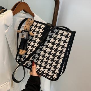 今年流行大包包2021新款潮秋季简约女包时尚单肩包气质格子斜挎包