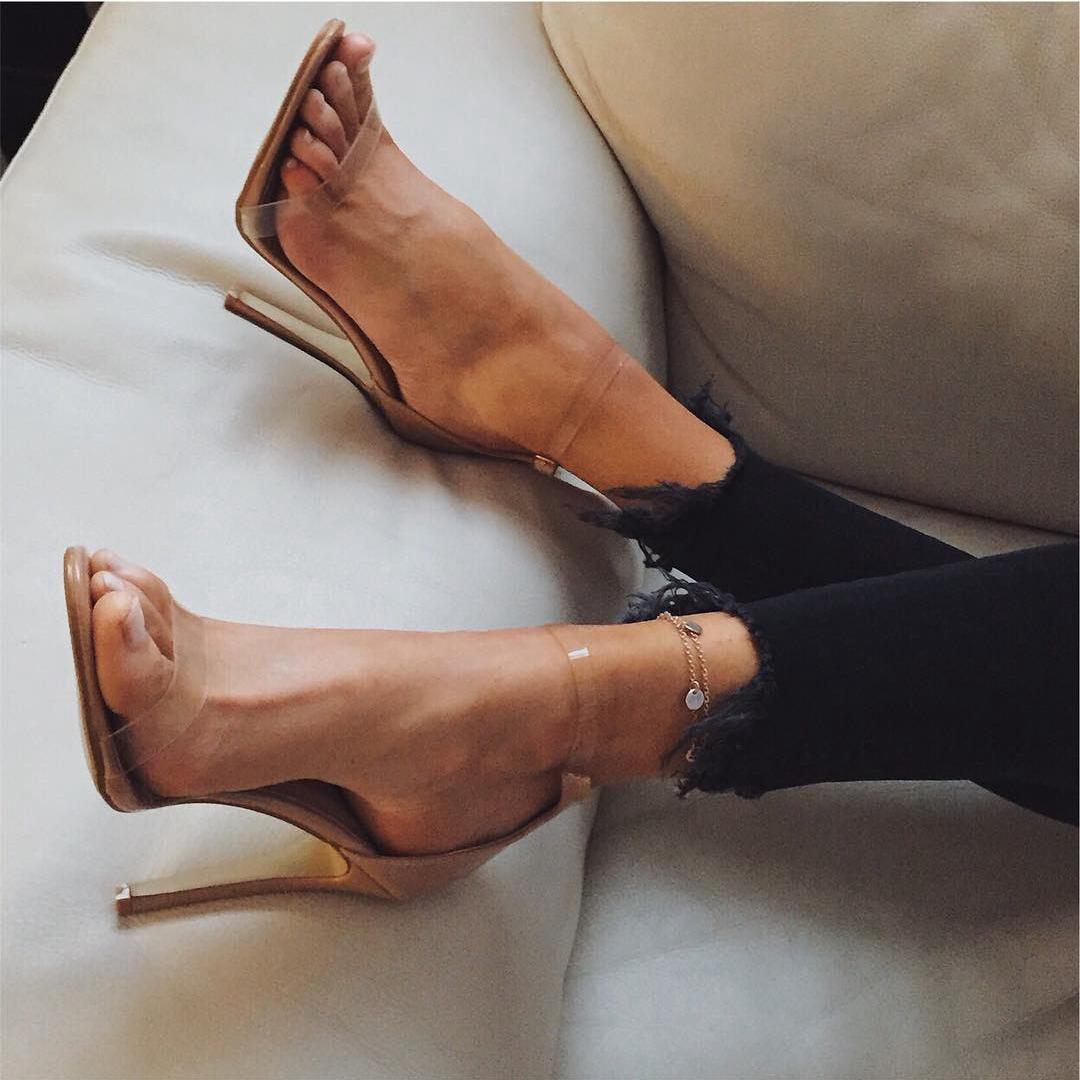 2018夏季新款仙女水晶ins超火一字带扣透明高跟鞋凉鞋女细跟露趾