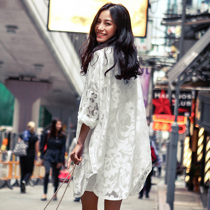 Air conditioning lace shirt 2021 new Korean womens spring and summer clothes hooded medium length sunscreen clothes large cardigan jacket fashion