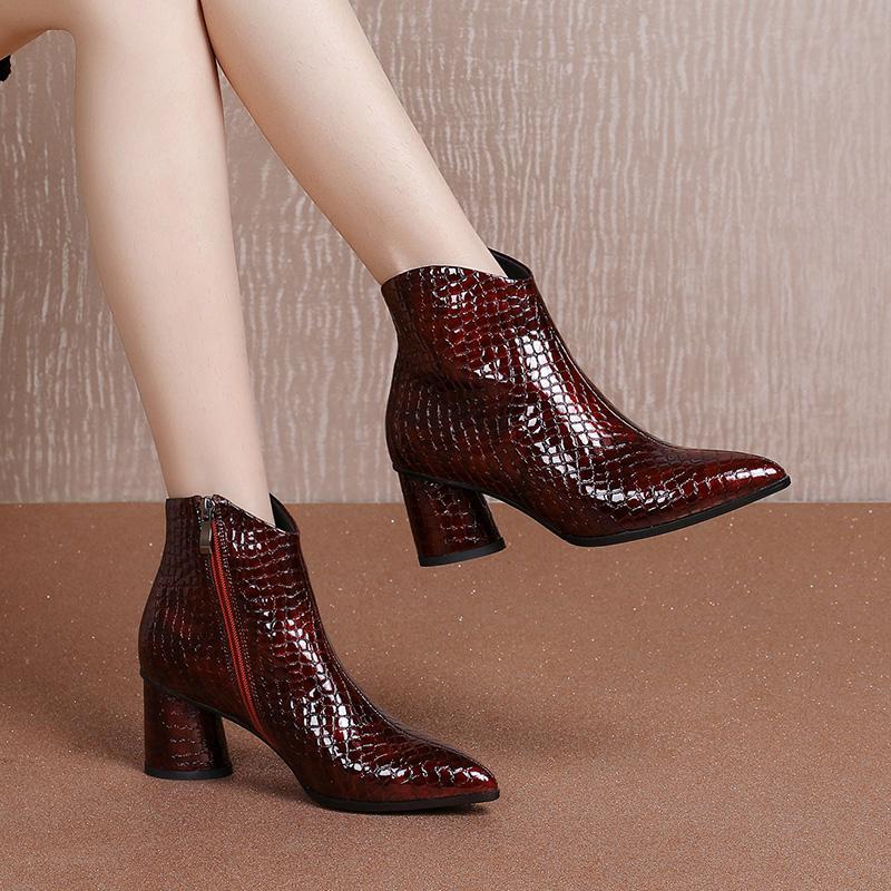 石头纹真皮短靴酒红色软皮2020秋冬新款尖头粗跟侧拉链女靴大码42