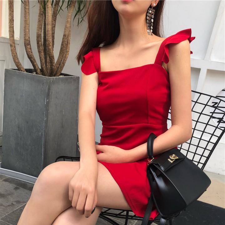 2018夏季新款气质荷叶边短款裙子修身复古方领收腰吊带连衣裙女装