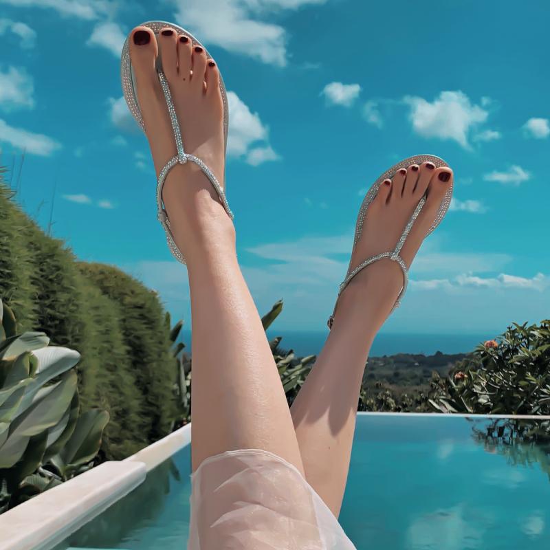 夏季搭配裙子的凉鞋女ins潮网红仙女风带水钻平底罗马沙滩鞋夹脚