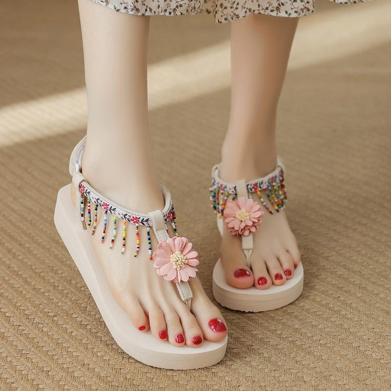 波西米亚花朵凉鞋女夏2021新款坡跟防滑时尚软底仙女风海边沙滩鞋
