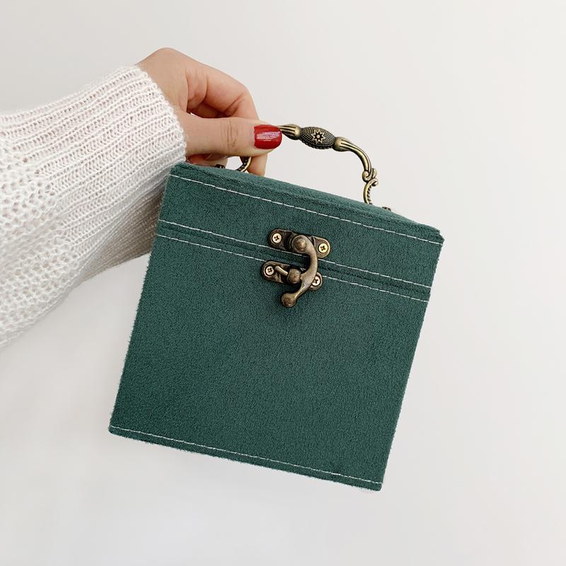 多层首饰盒收纳盒耳钉耳环盒子复古饰品盒便携项链时尚绿色分格图片