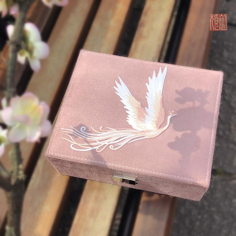 追云复古故宫风刺绣绒布带锁生日结婚礼物化妆首饰收纳盒 包邮