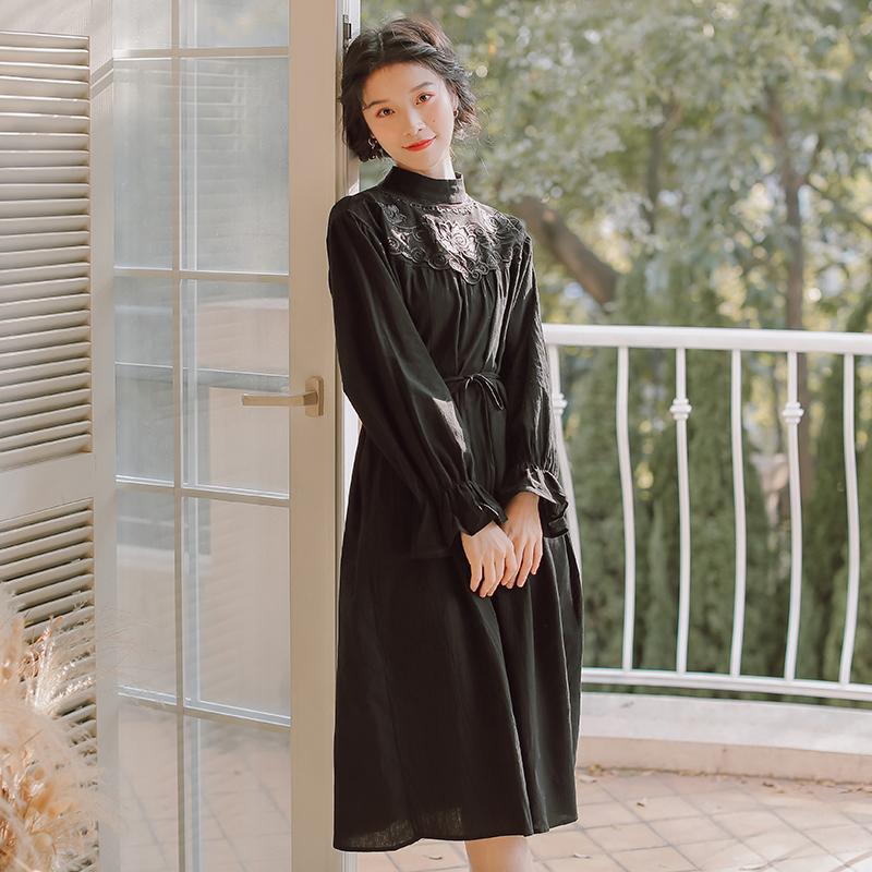 尺渡SCALED衬衫裙黑色玫瑰绣花灯笼袖赫本小黑裙中长款气质仙女裙
