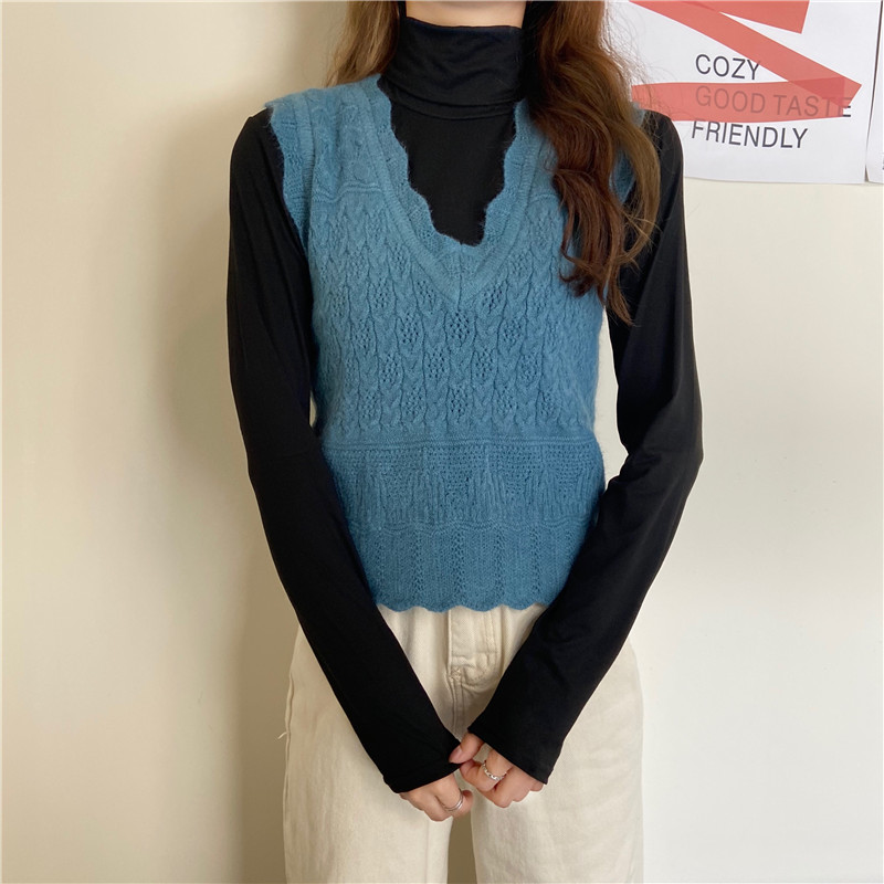 Early autumn 2020 Chi hollow pattern V-neck vest short style with wool small waistcoat womens solid color high collar bottoming shirt