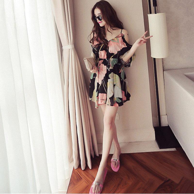 夏季新款裙子女2017韩版时尚学生小清新沙滩海边显瘦性感连衣裙潮