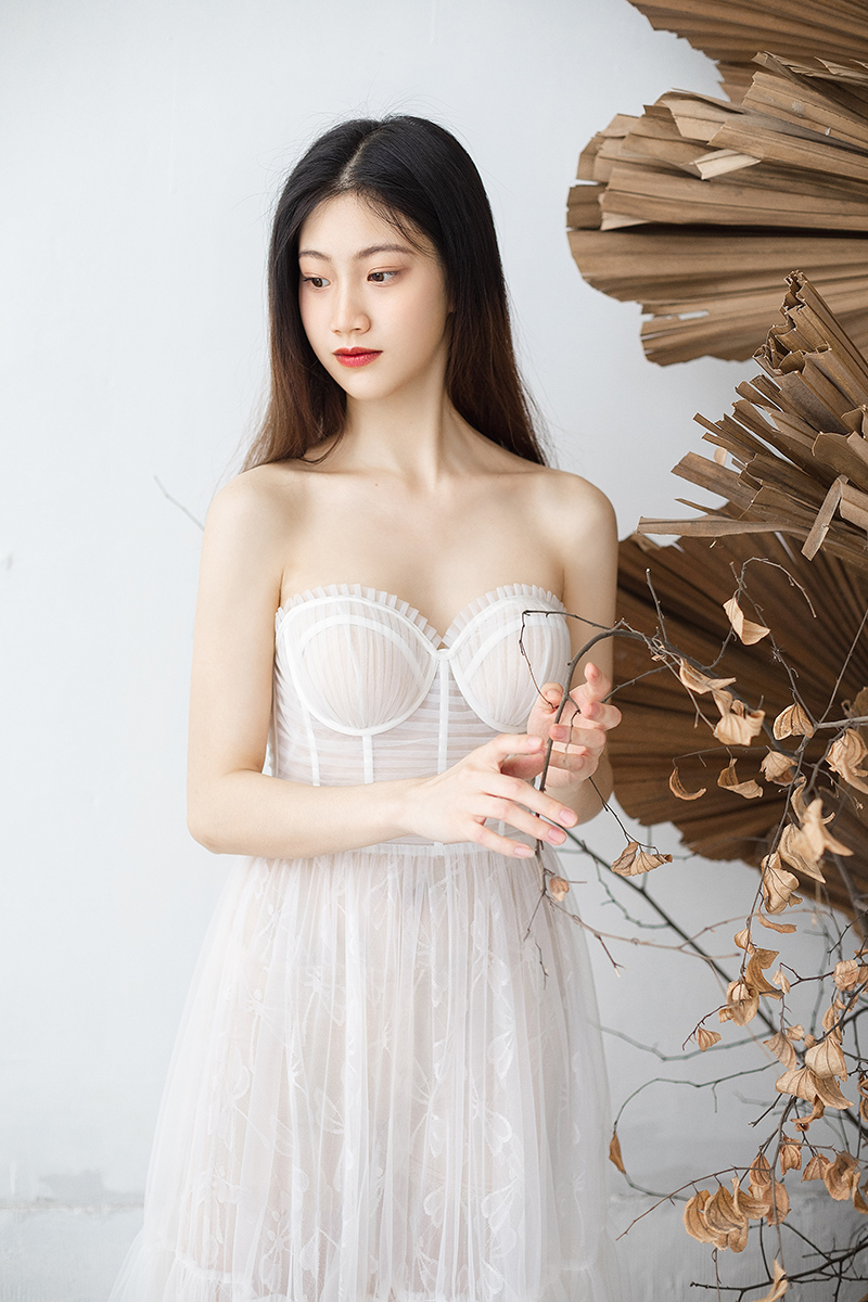 [design of fruit branch wedding dress] original wedding dress, Fairy Spirit, full bodice, grabbing pleats, light wedding dress, Chengdu custom rental