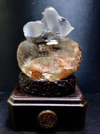 天然原矿白水晶红花胶花精雕三只小鸡生肖鸡连升三级摆件图片