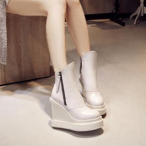 小个子潮真皮坡跟马丁靴子女12cm超高跟女靴秋冬新款白色厚底短靴