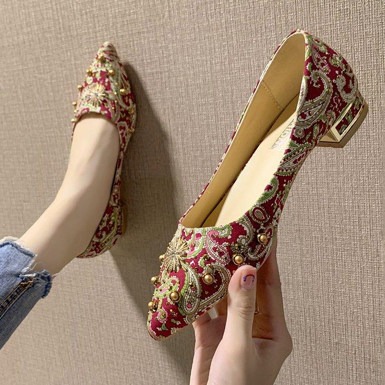 秀禾服结婚鞋女2021新款百搭敬酒中式婚鞋大红色新娘鞋低跟单鞋女