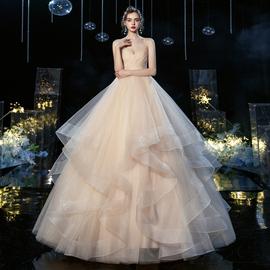 主婚紗2021新款新娘氣質抹胸吊帶森系冬季簡約大氣公主風出門輕紗圖片