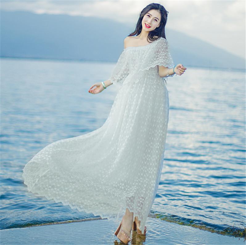 白色2020夏装新款女沙滩裙一字肩蕾丝连衣裙女夏海边度假长裙超仙