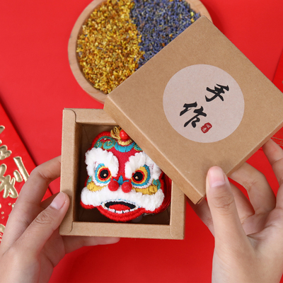 Hand-woven homemade lion dance diy embroidery material package cloth art gift for boyfriend gift sachet safe blessing cotton thread