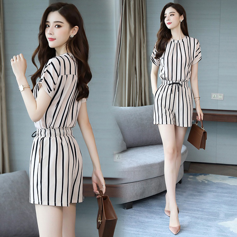 Pattern of two sets of womens one piece short sleeve top with Elastic Waist Shorts