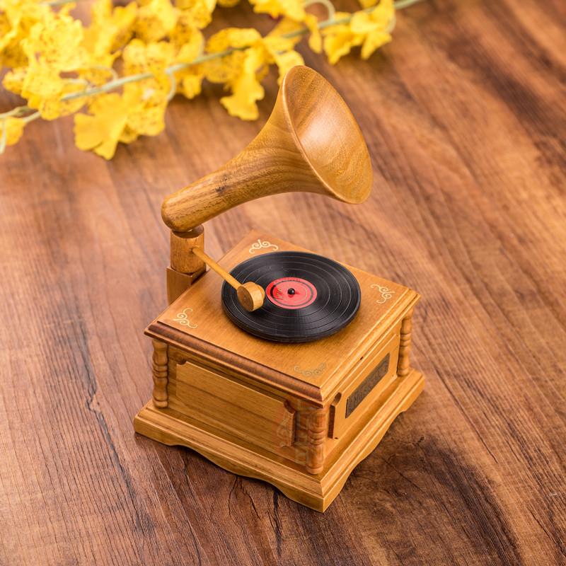 券后58.00元复古木质留声机diy钢琴摆件音乐盒