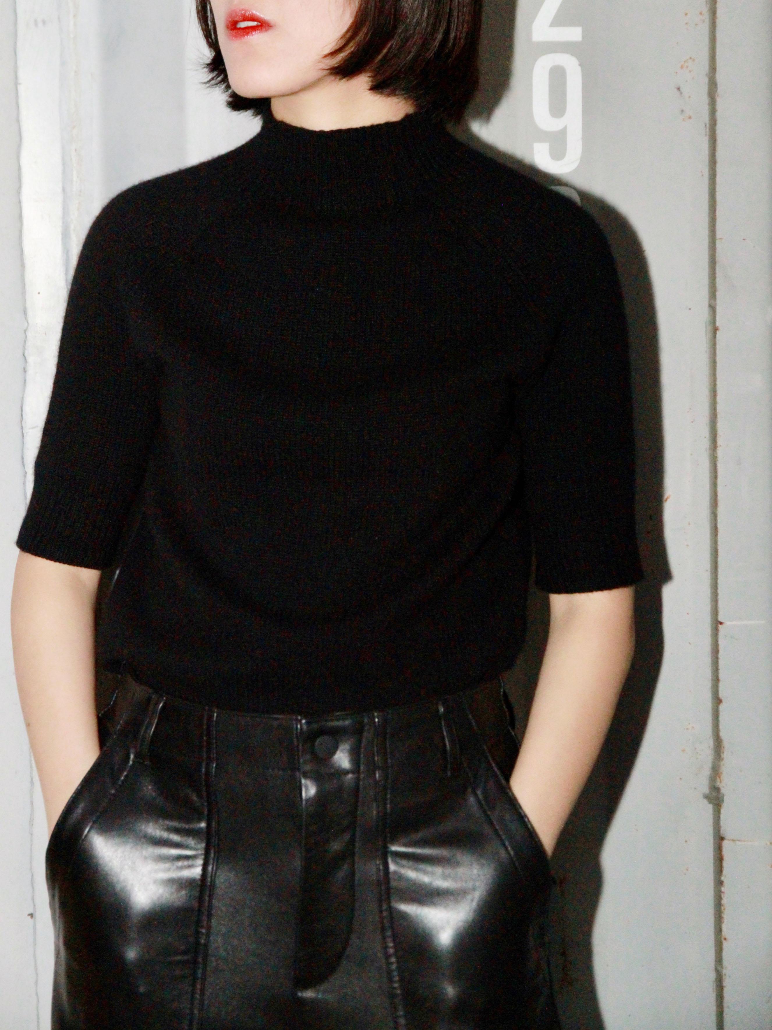Range black and white medium sleeve designers minimalist workplace senior cool temperament