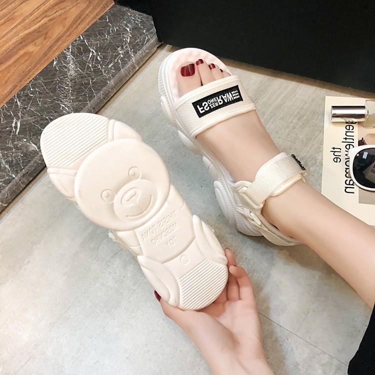 凉鞋女夏平底百搭流行2019软底轻便新款韩版沙滩鞋夏季运动女鞋子