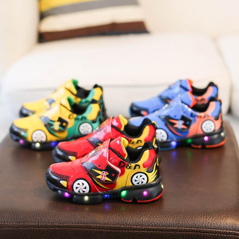 网红2至7岁儿童亮灯鞋6秋冬季小男孩鞋子3-5岁男童1宝宝鞋小汽车4